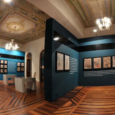 Vista da instalação (Fases 1 e 4) - Montagem no Solar do Barão - Museu da Gravura cidade de Curitiba - 2010